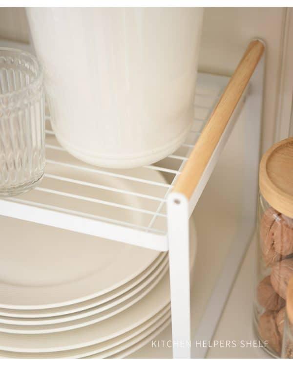Kệ chia tầng tiết kiệm không gian bếp