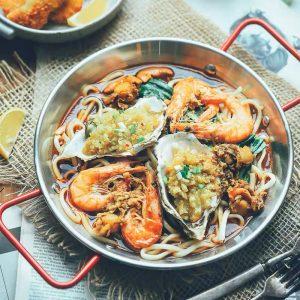 Đĩa chảo nhôm quai đỏ, chảo ăn hải sản 2