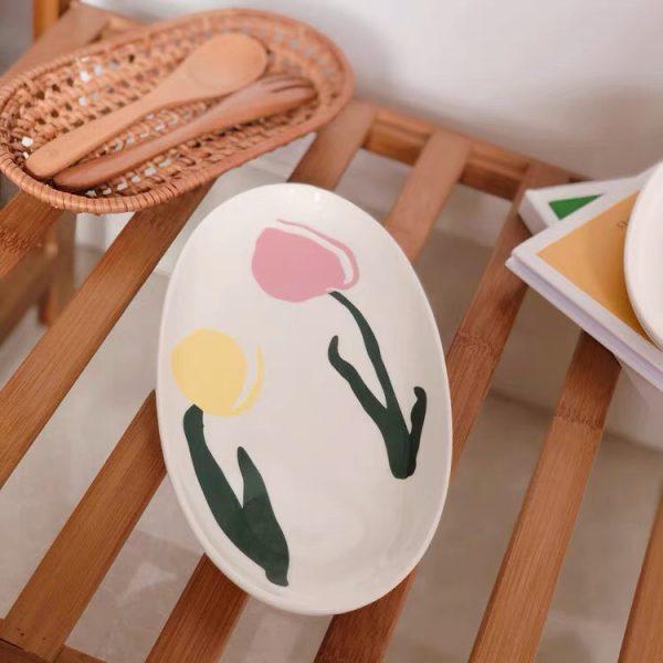 Đĩa sứ hình elip họa tiết hoa tulip, đĩa đựng đồ ăn phong cách Hàn Quốc - cutam.homedecor
